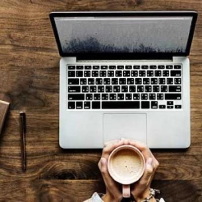 Chán nản do làm việc tại nhà mùa COVID-19 ? – 5 mẹo nhỏ giúp bạn cải thiện tâm trạng